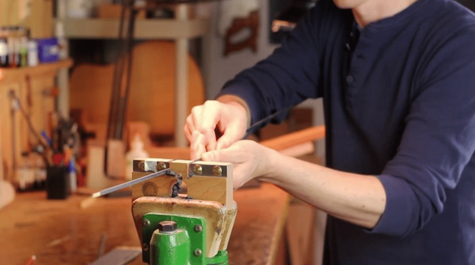 How To Use A Veneer Thicknessing  Tool To Improve Your Guitar Binding Work