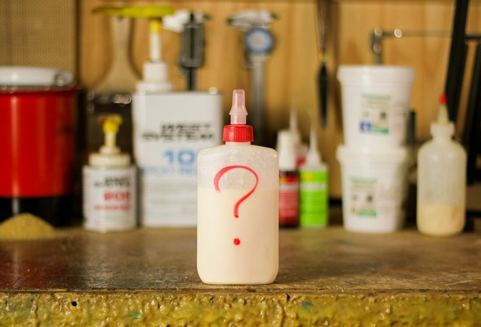 What Is The Best Glue For Guitar Building? (Luthier Glue Guide)
