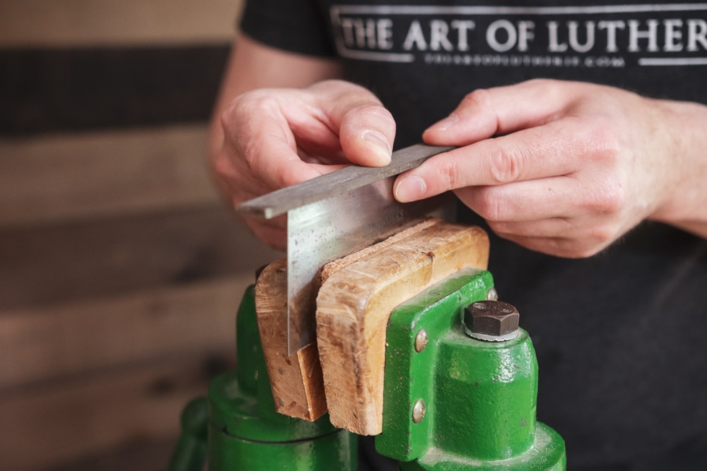 how to sharpen a scraper 1